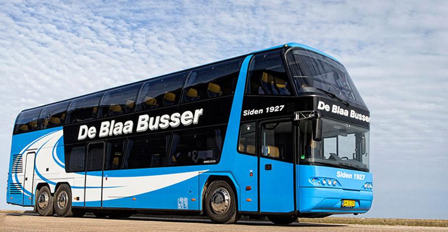 de-blaa-busser-888-459